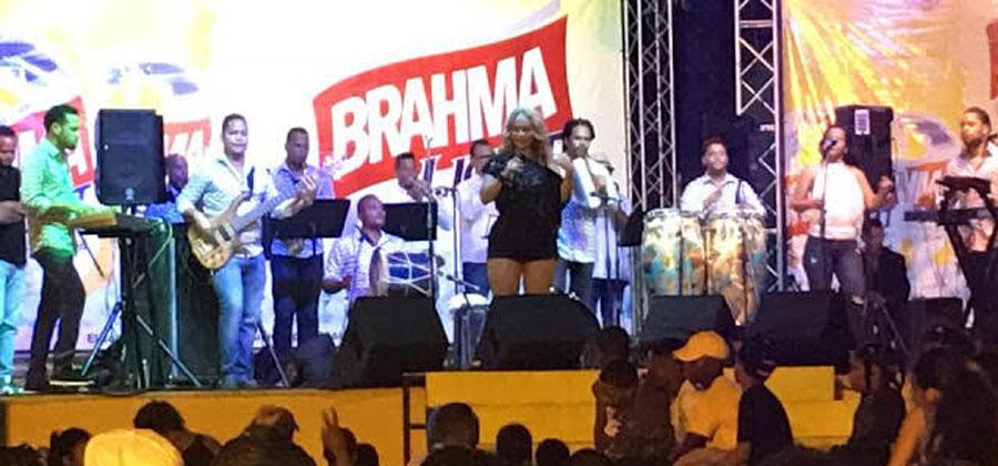 Con gran showMiriam Cruz cierra Fiestas Patronales San Juan