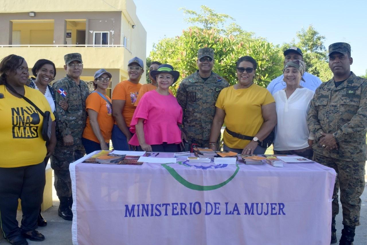 Alcaldesa Hanoi Sánchez valora como positivo operativo médico odontológico realizado en el Córbano por el ejército