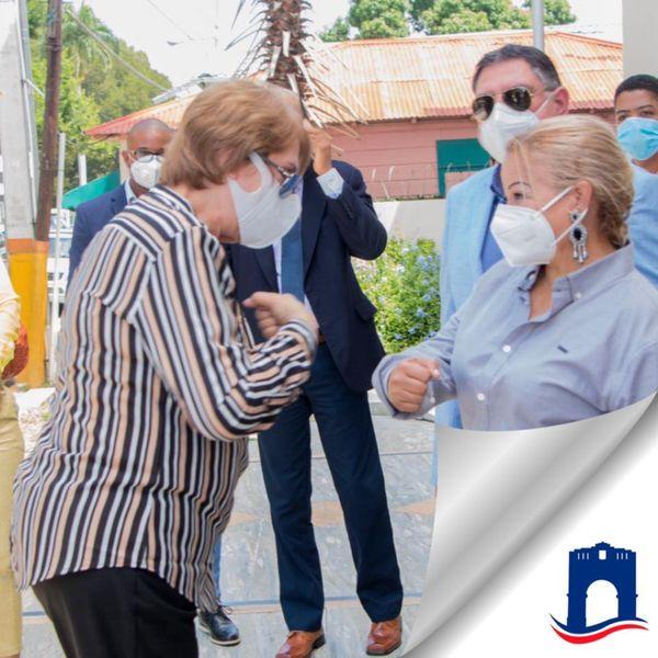 Hanoi Sánchez recibe visita de Carmen Heredia Ministra de Cultura